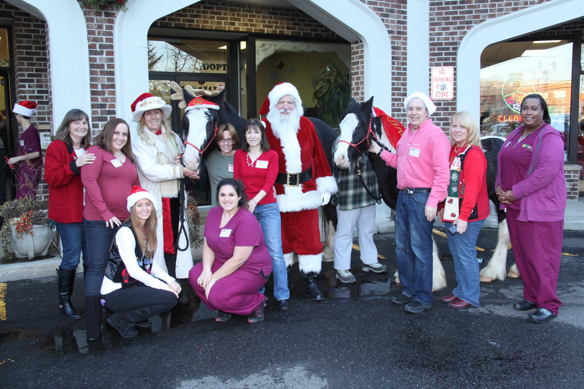 Franklin lakes Animal Hospital Santa with Gastone, Maxx, Barbara and Flah Staff 12-7-13